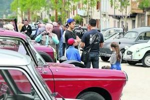 Najac. Les véhicules anciens s'exposent
