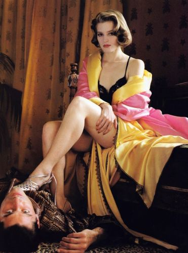 Dressed To Kill, Bridget Fonda - Vogue, 1989/09 - photo:  Helmut Newton